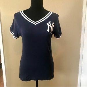 New York / NY Yankees V-Neck Tee